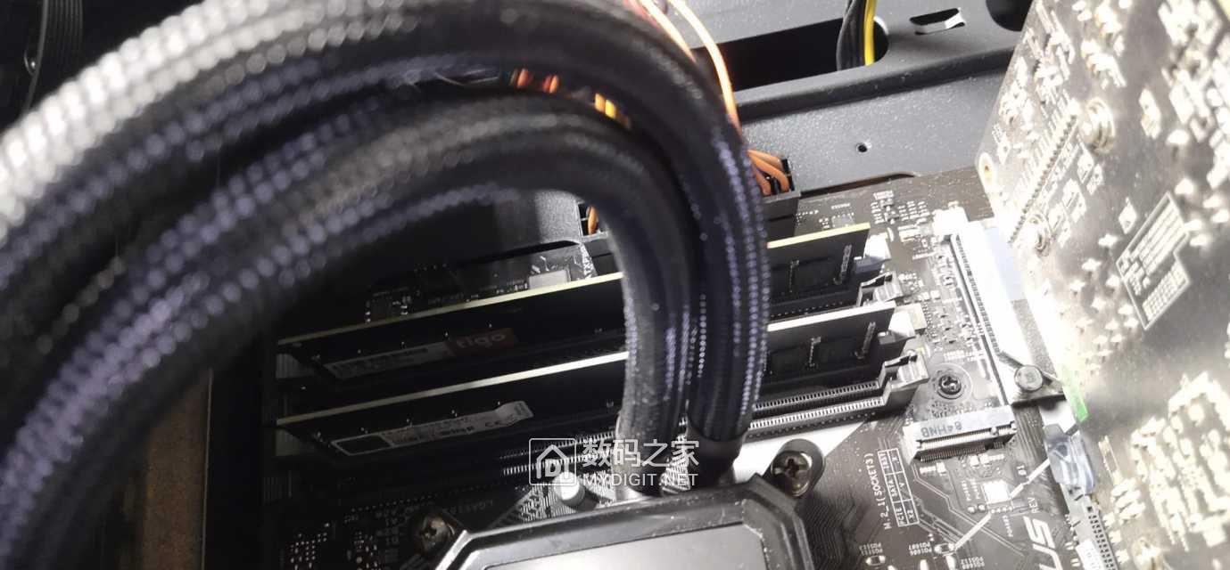 i7 8700+1060高端台式电脑整套出 3800元